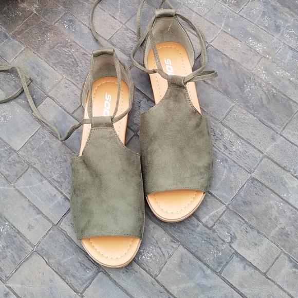 Soda green flat sandals